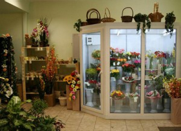 Витрина и прилавки для цветов